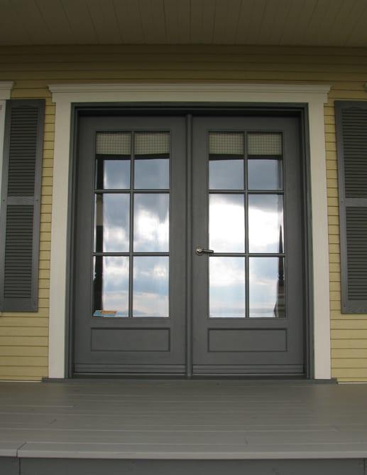 Porte extérieures en Pin Clair avec 1 panneau ravalé standard