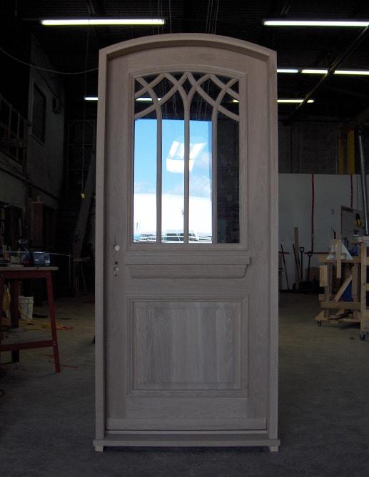 Porte extérieure en Chêne Blanc avec fenêtre spécial