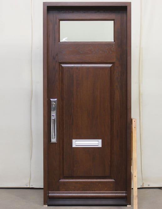Porte extérieure en Chêne avec un Panneaux ravalé standard et thermos