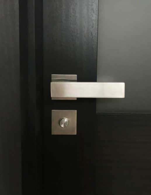 Porte de Bois Style Contemporain avec poignée Karcher Design