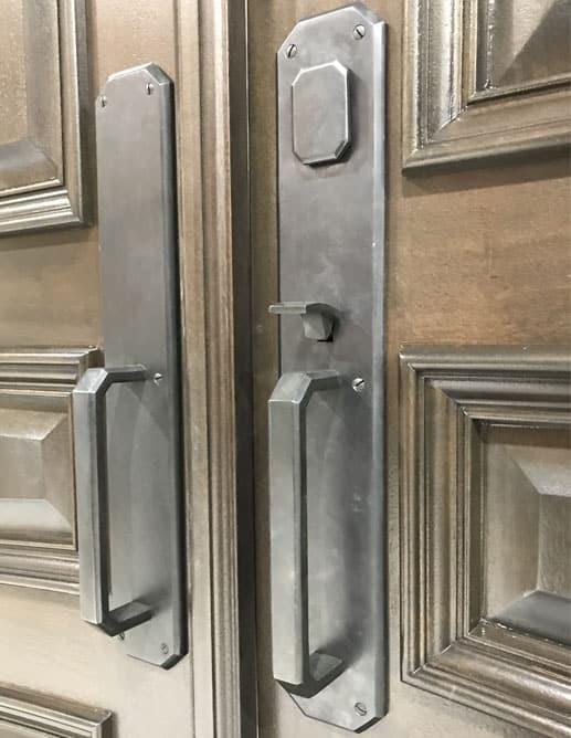 Porte Extérieur Acajou Sapele - Poignée Clenche Mortaise Ashley Norton AGSGL - Door Knocker Small Lion