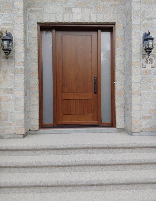 Porte Extérieur en Acajou Sapele - Poignée Baldwin Minneapolis 6976 Pentures dissimulés ajustable Thermos Acide Blanc Extra Clair