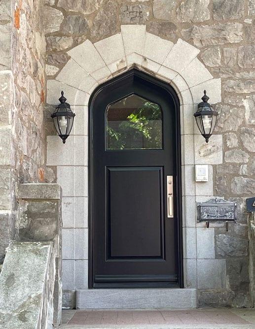 Porte Extérieur Acajou Sapele Tête Ogive. Poignée à Clenche GS300 Colombo Finition Noir Opaque